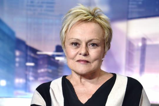 Muriel Robin: spectacles, cinéma, compagne... tout sur l'humoriste et actrice