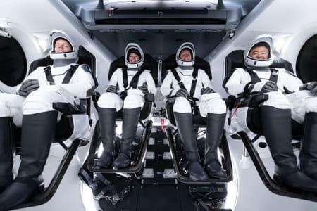 L'équipage de la deuxième mission de longue durée de SpaceX Crew Dragon vers la Station spatiale internationale