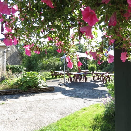 L'Hostellerie du Bourg D'Hem  - terrasse du restaurant -