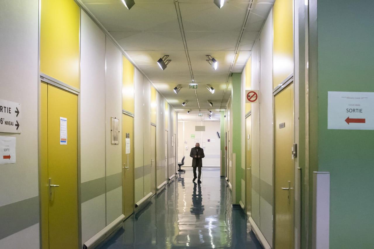 DIRECT. Coronavirus en France: la pression monte en réanimation