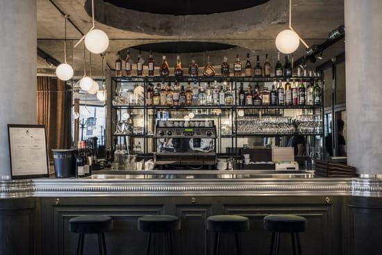 Moulin de la Galette  - le bar -