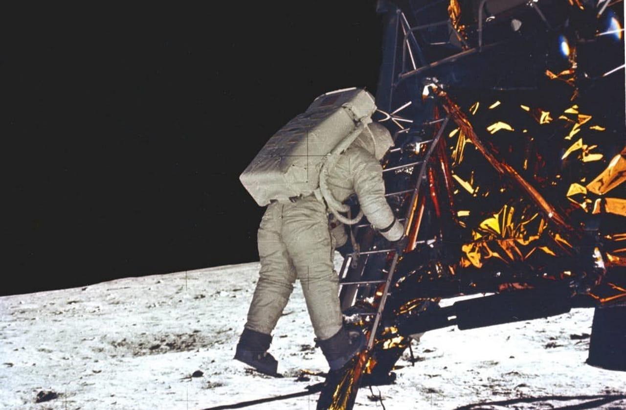 Apollo 11: Un petit pas pour lHomme, un grand pour linformatique!