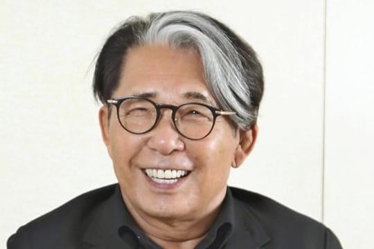 Kenzo Takada: biographie courte du styliste japonais