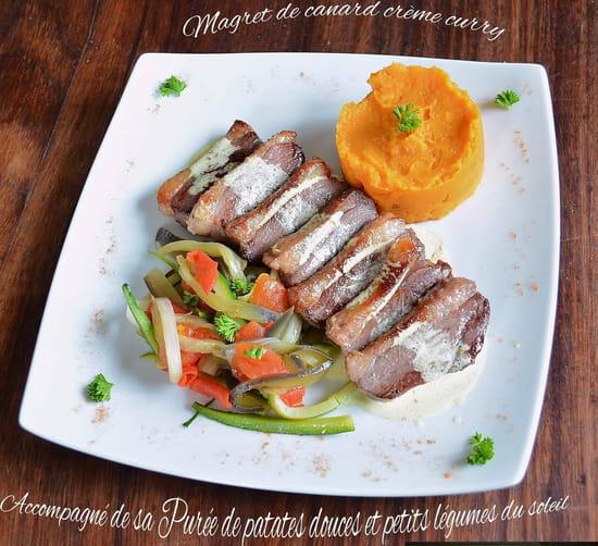 Restaurant : La Table de Karl & Fanny  - Emincés de canard accompagnés de sa purée de patates douces et petits légumes du soleil -   © Karl & Fanny - 2020