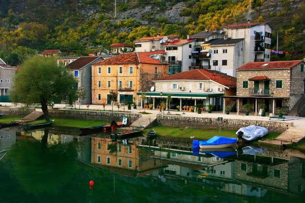 Le village de Rijeka Crnojevica