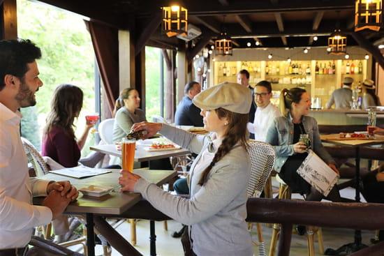 Restaurant : Les Paillotes - Les Etangs de Corot  - Ambiance guinguette -   © Roberta Valério