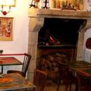Le Chaudron Magique  - Petit coin du bistrot et sa cheminée -