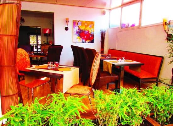 Restaurant L'Arôme - Jean-Jack Monti  - la salle vue de l'exterieur -