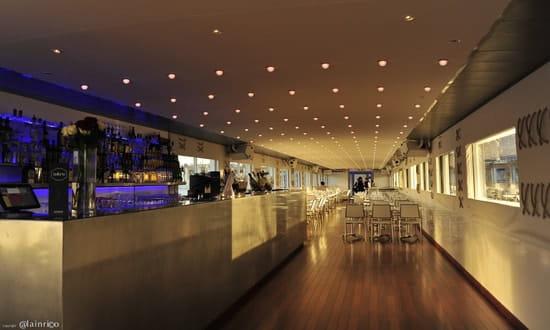Bateau Bellona  - Le bar. -   © Alain Rico