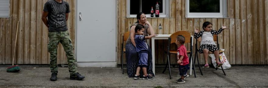 """Près de Lyon, le pari """"à 80% réussi"""" d'un village d'insertion de Roms"""
