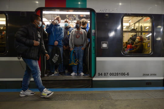 Trafic SNCF et couvre-feu: un RER sur deux après 21heures dès mercredi