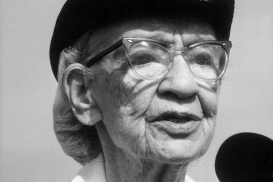 Grace Hopper: biographie d'une pionnière des langages de programmation