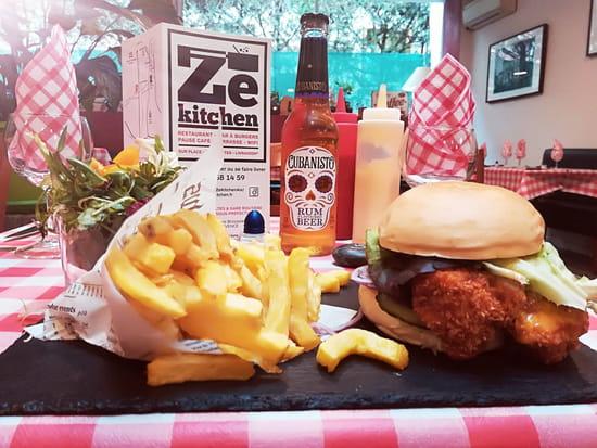 Plat : Ze Kitchen  - Burger Gourmand -   © non