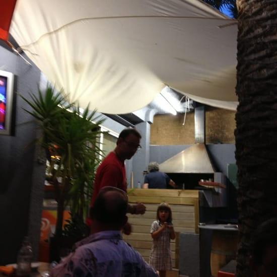 Restaurant : Le Planteur  - Un des serveurs -