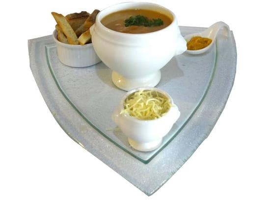 Plat : LE TY SKORN  - Le Ty Skorn crêperie restaurant à Cancale / soupe de poisson artisanale -   © Le Ty Skorn crêperie restaurant à Cancale