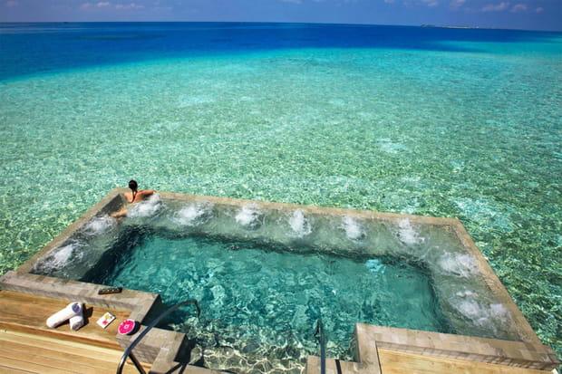 L'île-hôtel Velassaru Resort aux Maldives