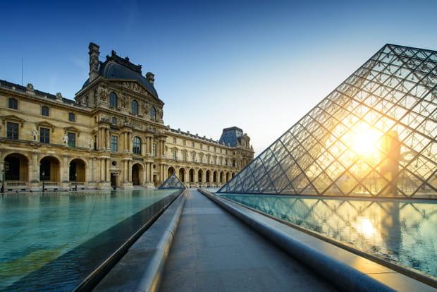 1er: Musée du Louvre, Paris