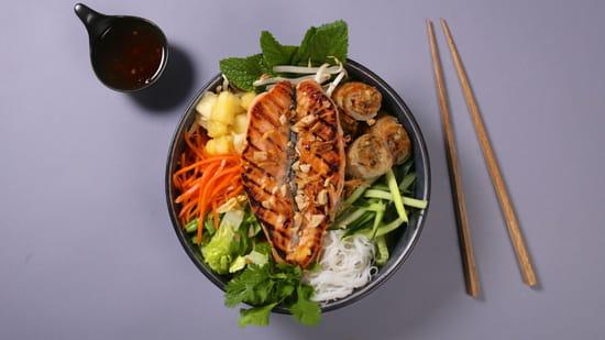 Plat : Yellow Kitchens  - Bo Bun saumon plancha -   © Yellow Kitchens