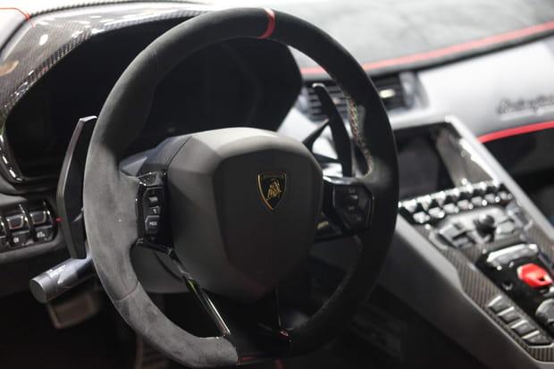 Bienvenue à bord de la Lamborghini Aventador SVJ