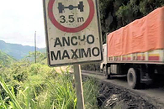 """La """"route de la mort"""", 400km de danger en Bolivie"""