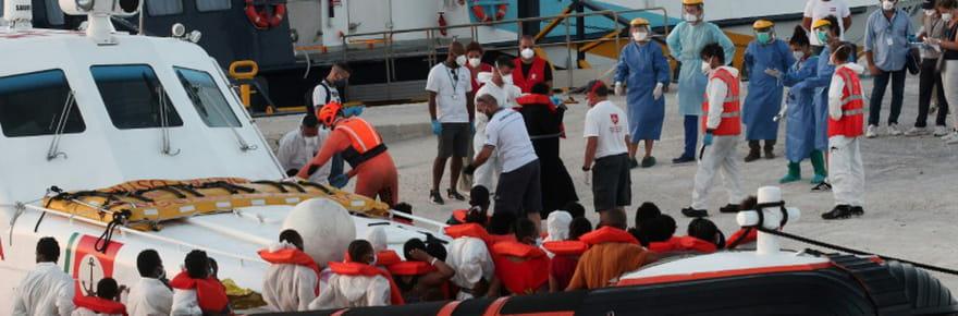 Lampedusa, submergée par les arrivées de  migrants, veut se mettre en grève