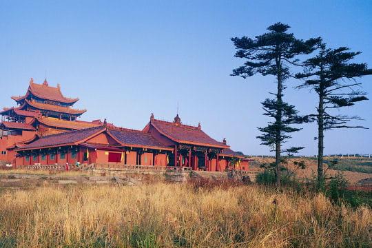 Le temple Huazang du sommet Doré