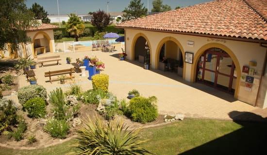Hôtel***Restaurant-Séminaires Solenca  - Vue extérieure du Restaurant Solenca à Nogaro dans le Gers -   © Solenca