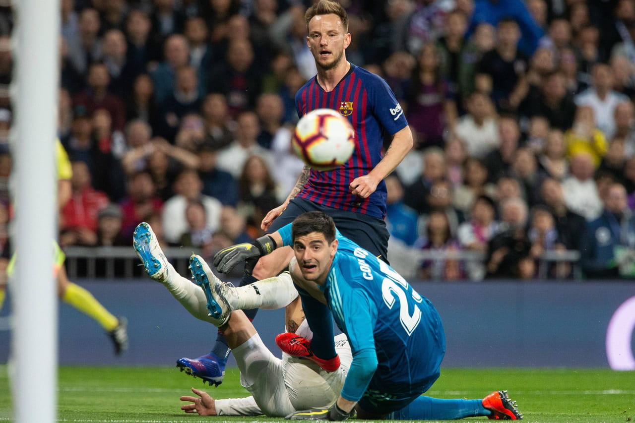 Coloriage Football Fcb.Real Barca Madrid Encore Battu Le Resume Du Match En Video