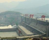 le barrage des trois-gorges est le plus grand du monde.