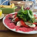 Plat : Le Raimbaldi  - Carpaccio de boeuf et sa corolle de tomates/mozza -