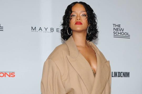 Rihanna enceinte: ça ressemble à une rumeur bidon (et Drake n'est pas le père)