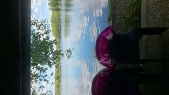 Restaurant : L'Elot  - La magnifique vue sur le lac de Bournazel  -