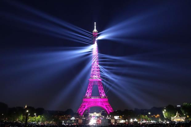 La tour Eiffel s'offre un show laser inédit pour ses 130ans