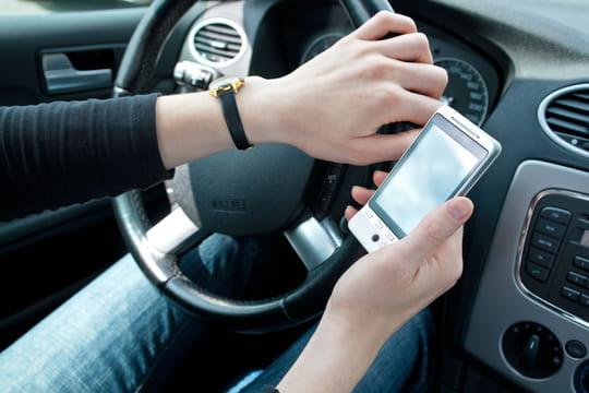 Téléphoner au volant: quels sont les risques?