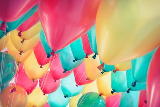 Texte invitation anniversaire:nos exemples humoristiques