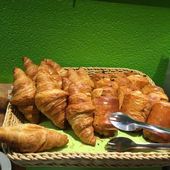 Petit-déjeuner : Hotel Alexia