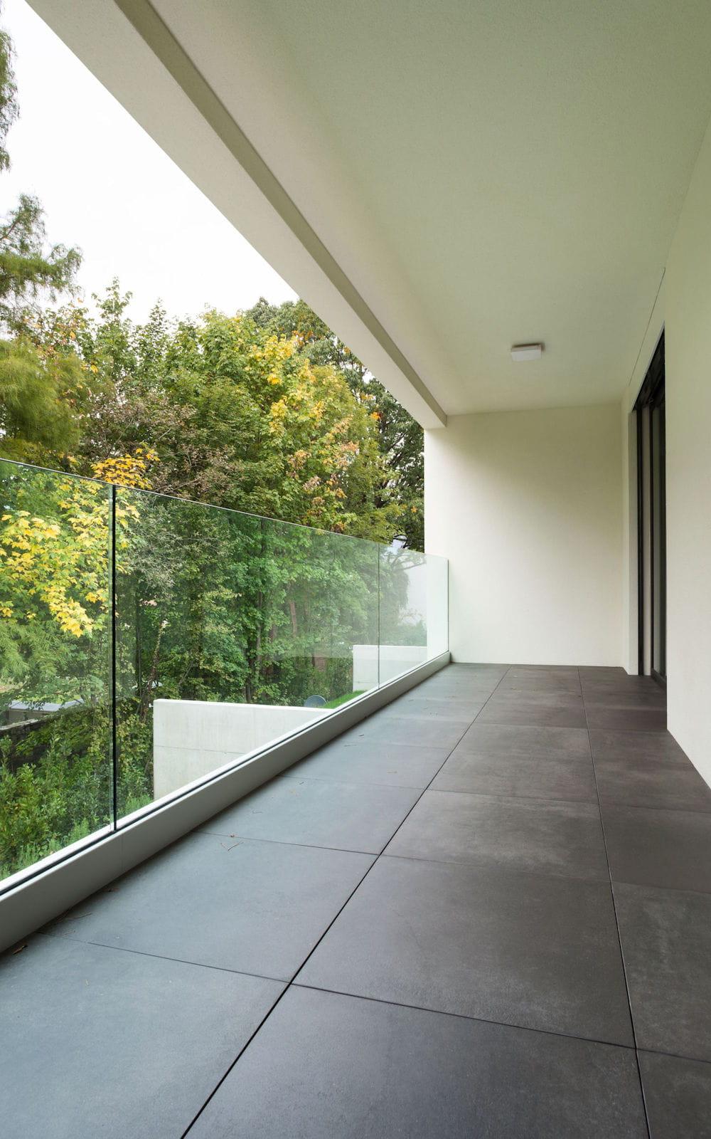 Nettoyer Le Sol D Une Terrasse En Beton