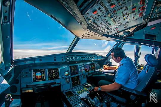 Le monde depuis un cockpit : la Terre vue à 10000mètres d'altitude