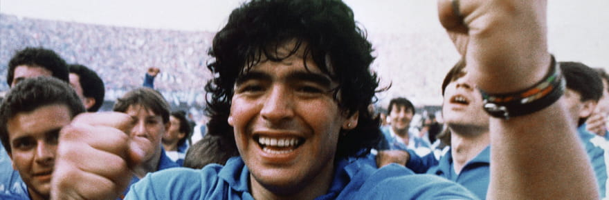 Diego Maradona, une vie d'excès entreombre et lumière