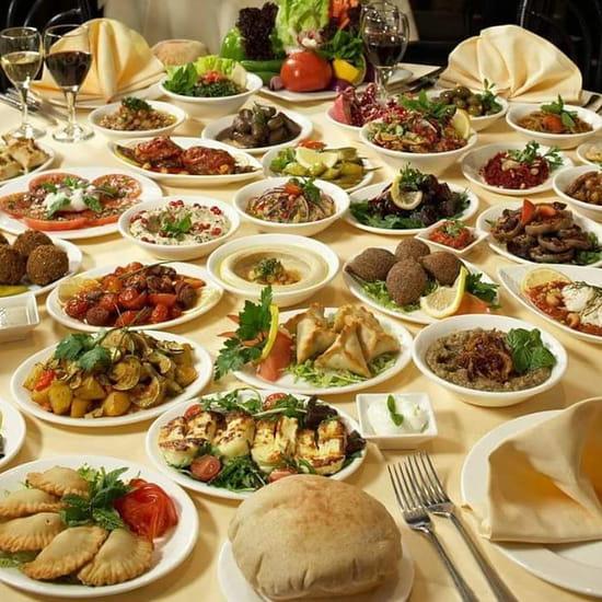 Restaurant : Le Helem  - Mezzes assortiments des mets froides et chaudes -   © Le Helem spécialité des Mezzes Libanaise