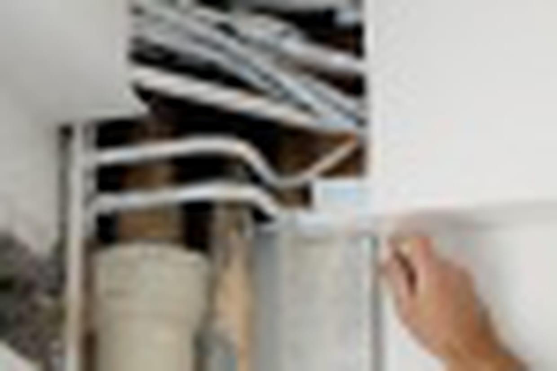 Comment Cacher Des Tuyau De Chauffage comment cacher des câbles et tuyaux apparents