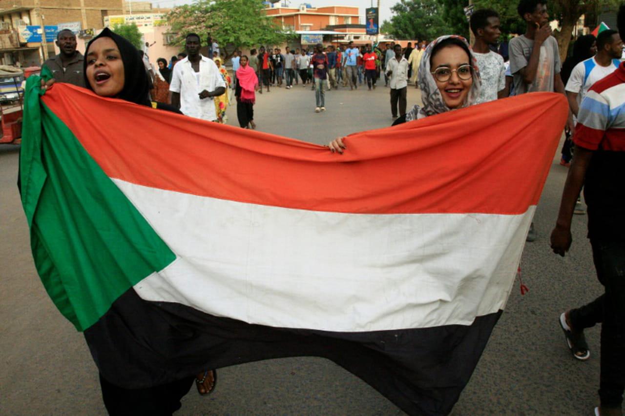 Soudan: accord entre les généraux et la contestation sur la transition