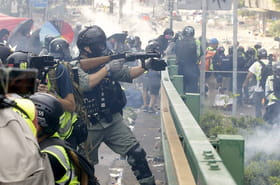Hong Kong: les images de violences entre manifestants et forces de l'ordre