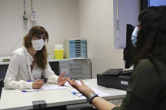 """DIRECT. Coronavirus en France: le variant britannique désormais """"majoritaire"""", derniers chiffres"""