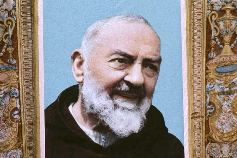 Padre Pio: biographie courte, ses stigmates et ses prophéties