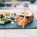 Healthy Café  - Avocado Toast au saumon mariné -   © Healthy café