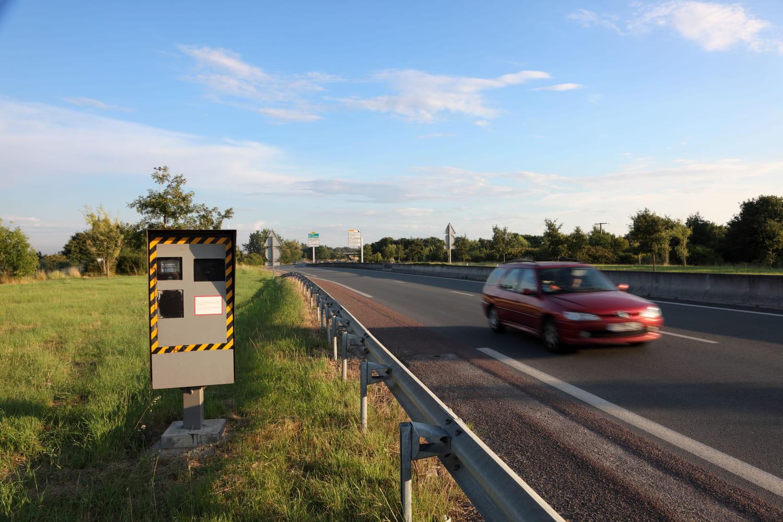 Radar leurre: de faux panneaux pour induire en erreur les conducteurs