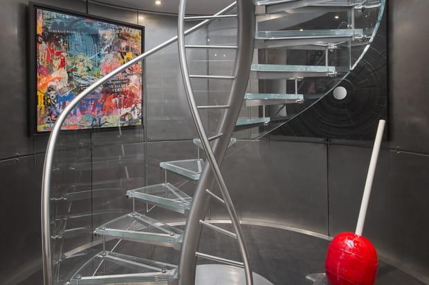 Un escalier central élégant