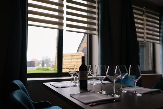 Restaurant : Restaurant du Domaine Au Fil de l'Eau  - Profitez d'une vue sur notre Domaine, dans un cadre chaleureux et verdoyant -   © Lueur de l'Aube