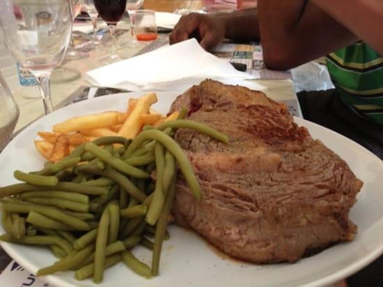 Plat : Auberge le Palmier  - Entrecôte de 800grs minimum !!! Dans la formule a 23€ apéritif a volonté, entrée, plat, fromage, dessert et chinon a volonté !! -